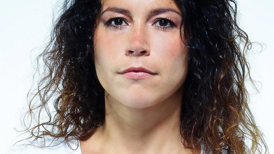 Block B - Unter Arrest: Rollenprofil Janina Romano (Ulrike Röseberg) - block-b-unter-arrest-rollenprofil-janina-romano-ulrike-roeseberg