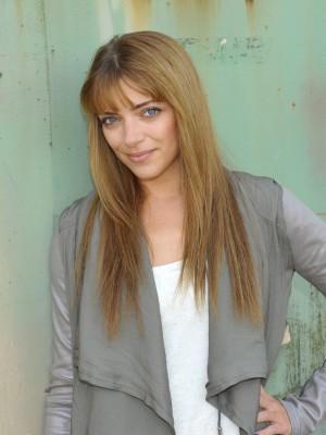 Emily Höfer Nackt