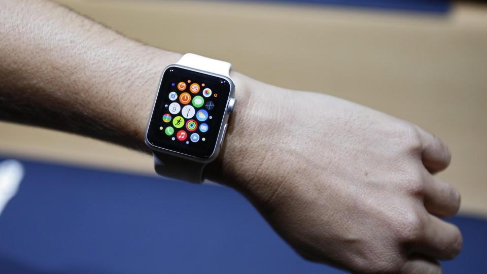 Neue details zur iwatch in san francisco erwartet das kann die iwatch von apple - Horloge san francisco ...