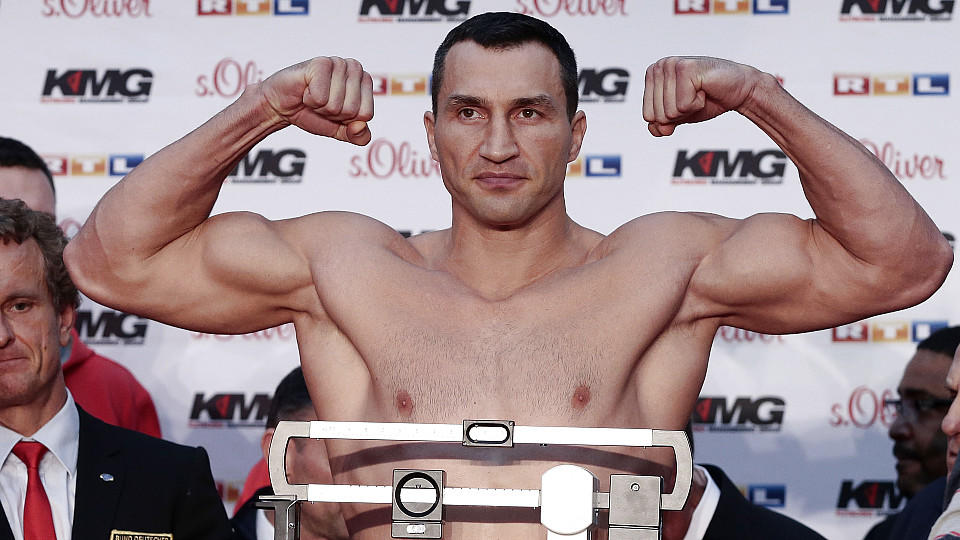 HAMBURG, GERMANY - NOVEMBER 14:  Wladimir Klitschko of Ukraine poses during the official weigh in session ahead of the IBF, WBA, WBO and IBO World Championship fight between Wladimir Klitschko and his challenger Kubrat Pulev at Bulgaria at Elbe shopp