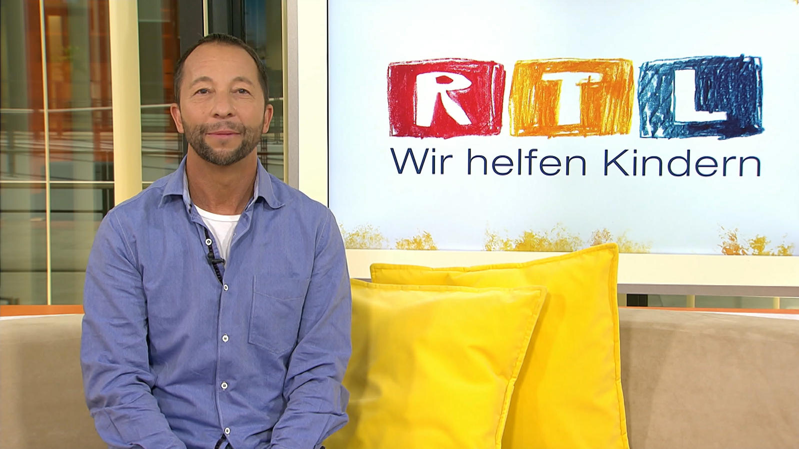 rtl spendenmarathon auktion dj bobo versteigert vip tickets und meet rtl online dj. Black Bedroom Furniture Sets. Home Design Ideas