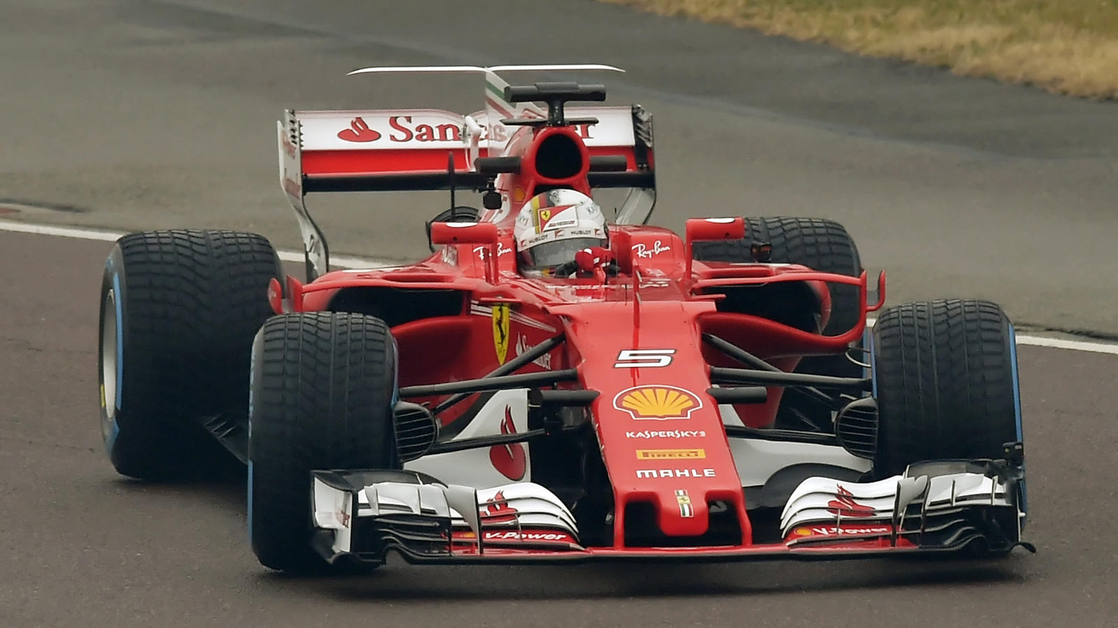 formel 1 sebastian vettel gibt dem neuen ferrari sf70h. Black Bedroom Furniture Sets. Home Design Ideas