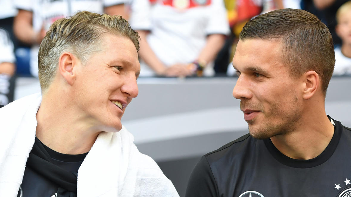 schweinsteiger mit emotionalen zeilen f r freund podolski. Black Bedroom Furniture Sets. Home Design Ideas