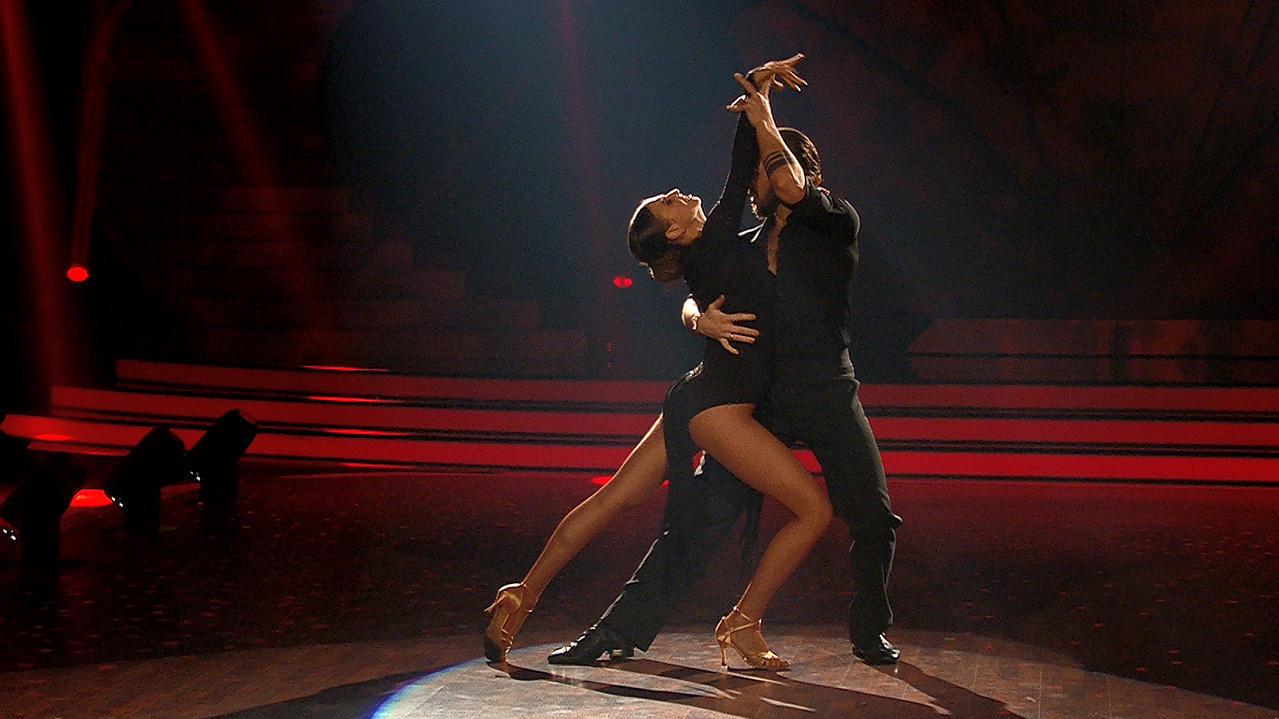 let 39 s dance 2017 gil ofarim holt mit seinem tango zum dritten mal 30 punkte. Black Bedroom Furniture Sets. Home Design Ideas