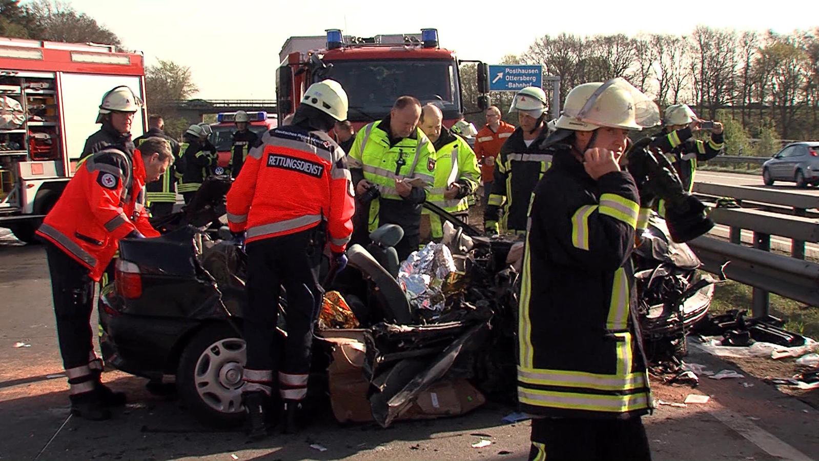 Mann stirbt bei schwerem Autounfall auf der A1