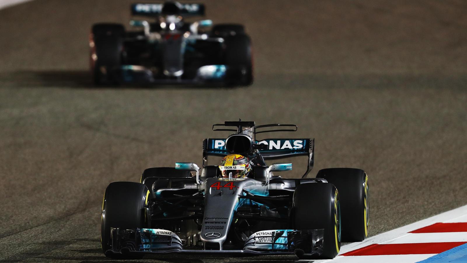 Tests in Sakhir: Pannen bei Vettel