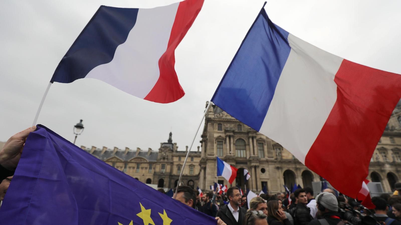 Frankreich - Bürger entscheiden in Stichwahl über neues Staatsoberhaupt