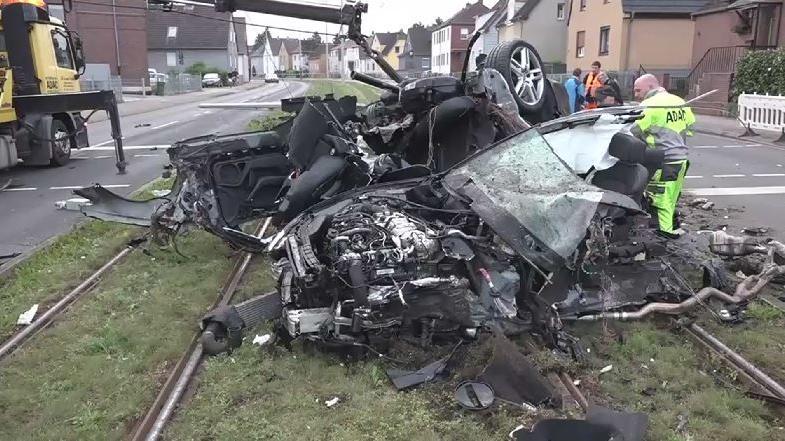 Deutschland: Mutmaßlicher Autodieb kommt bei Unfall auf Flucht vor Polizei ums