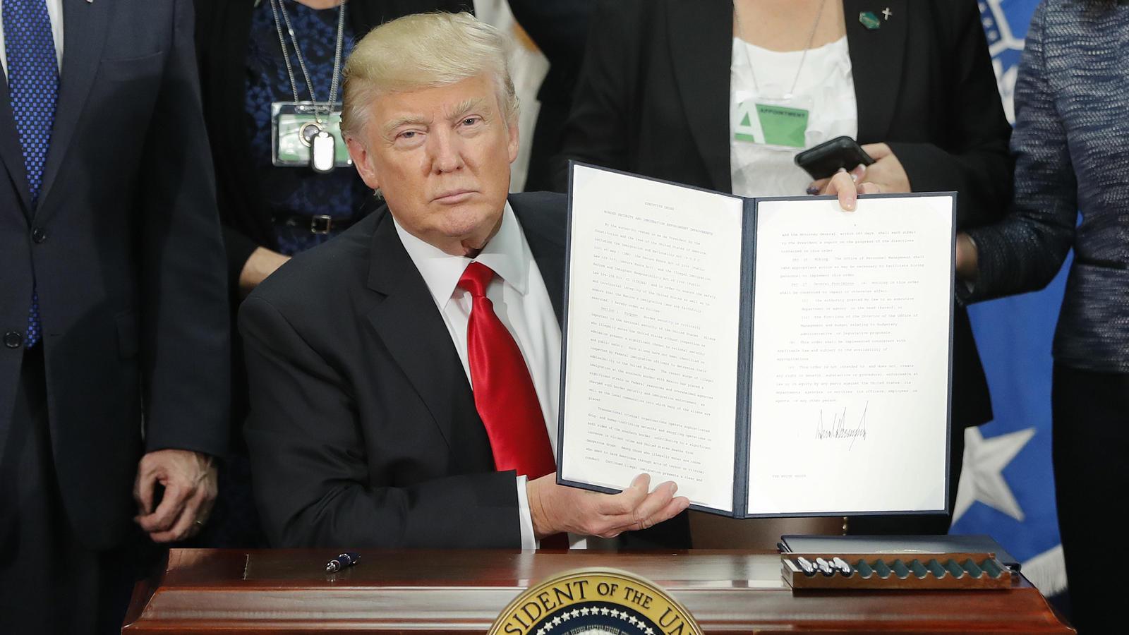 Oberstes US-Gericht lässt Trumps Einreiseverbot bis Oktober teilweise zu