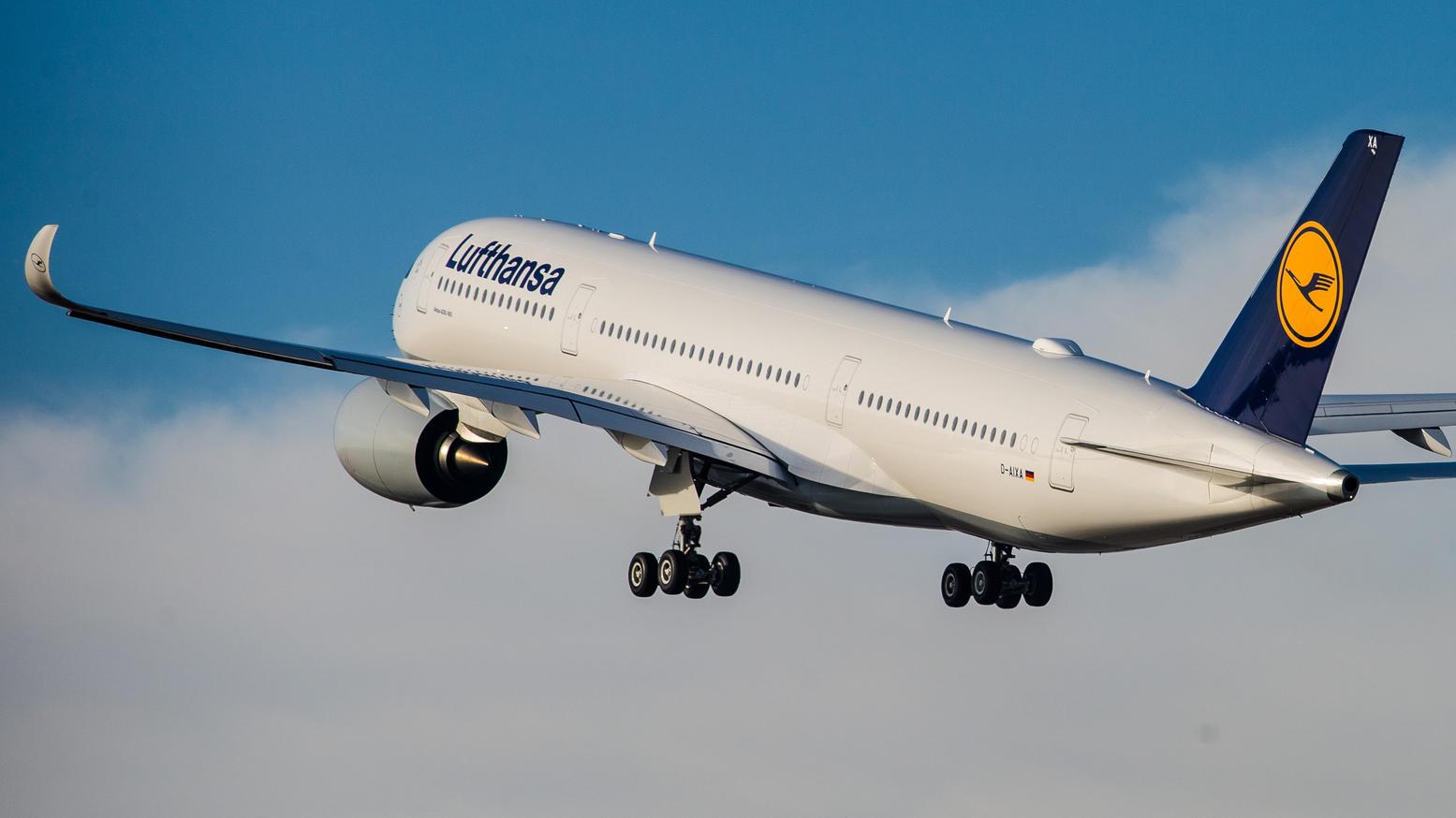 Plötzlich ein Passagier mehr: Frau bringt Baby auf Lufthansa-Flug zur Welt