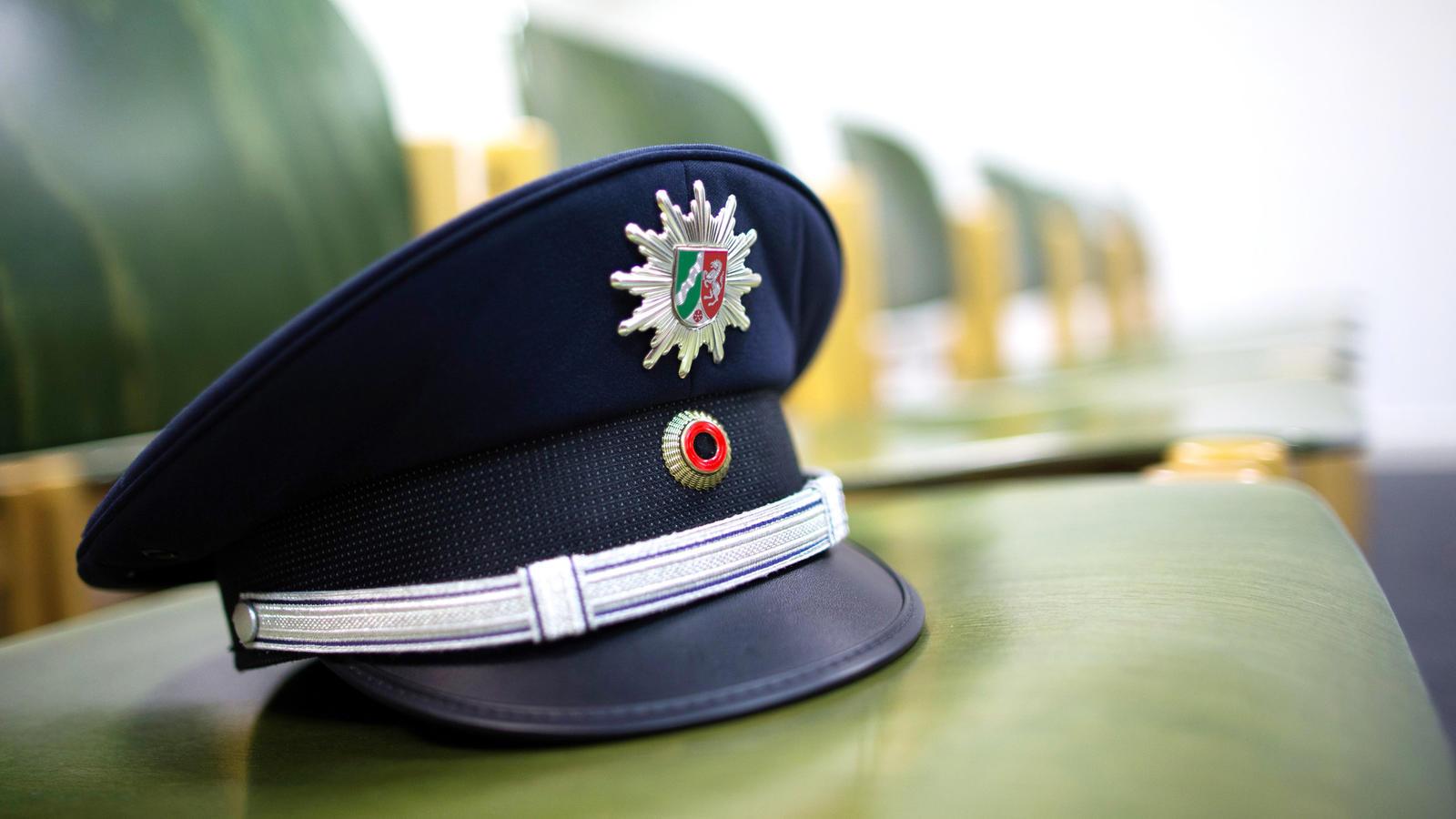Frau klagt gegen Mindestgröße bei Polizei
