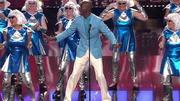 Bruce Darnell tanzt mit den Crazy Ladies