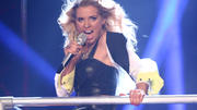 "Aneta rockt bei ""Dirty Diana"" die Bühne"