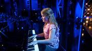 Selinas Klavierspiel berührt Dieter Bohlen tief
