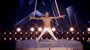 Sergey Novikov zeigt traumhafte Strapatenakrobatik