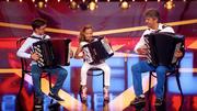 Stefan, Nina und Jovica überraschen am Akkordeon