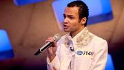 Saint von Lux' Gesang berührt H.P. nicht