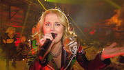 Laura van den Elzen gibt unter Tage die Rockröhre