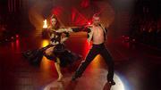 Eric Stehfest und Oana Nechiti tanzen einen Paso Doble
