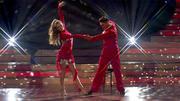 Victoria und Erich tanzen eine Fusion aus Rumba und Cha Cha Cha