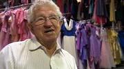 Kleider aus Liebe: Mann schenkt seiner Frau 55.000 Kleider