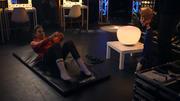 Sarah Stiefel lässt backstage die Puppen tanzen