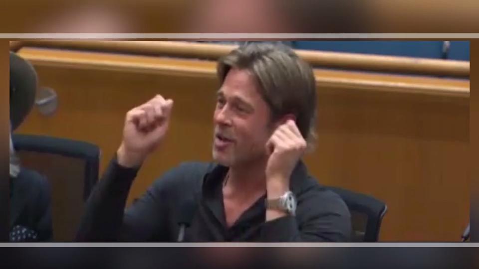 Hier wird Brad Pitt einfach abgewürgt