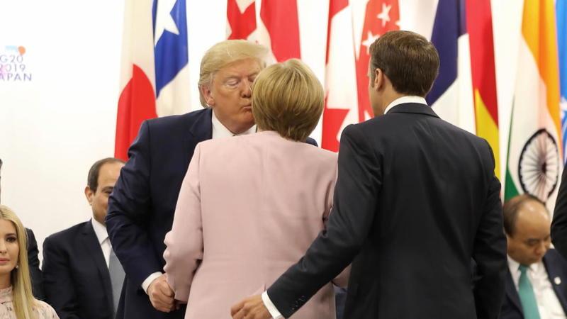 Politik: Angela Merkel kritisiert Trump für rassistische Äußerungen