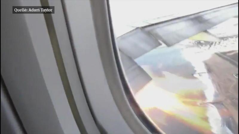 Boeing 777 von Philippine Airlines: Flammen schlagen aus Triebwerk