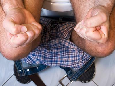 Stuhlgang Fünf Fehler Beim Gang Zur Toilette