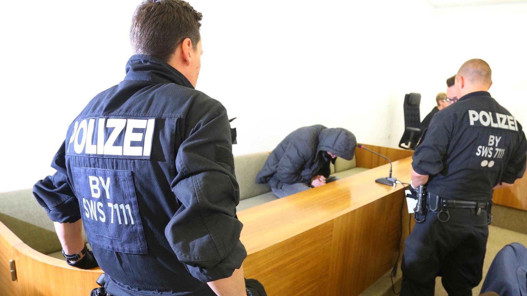 Prozess wegen Vergewaltigung und Mord