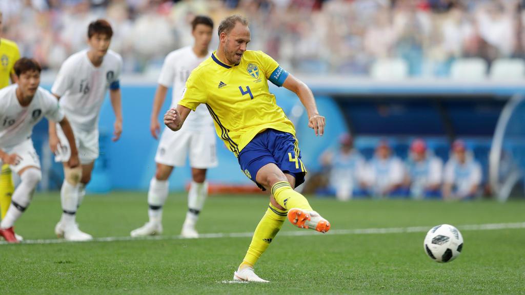 Die Entscheidung: Andreas Granqvist schiebt beim Elfmeter sicher ins rechte Ecke ein.