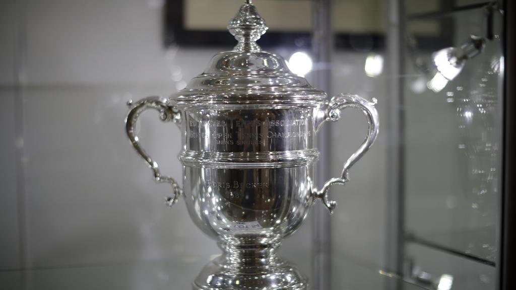 Pokale von Boris Becker bei Auktion