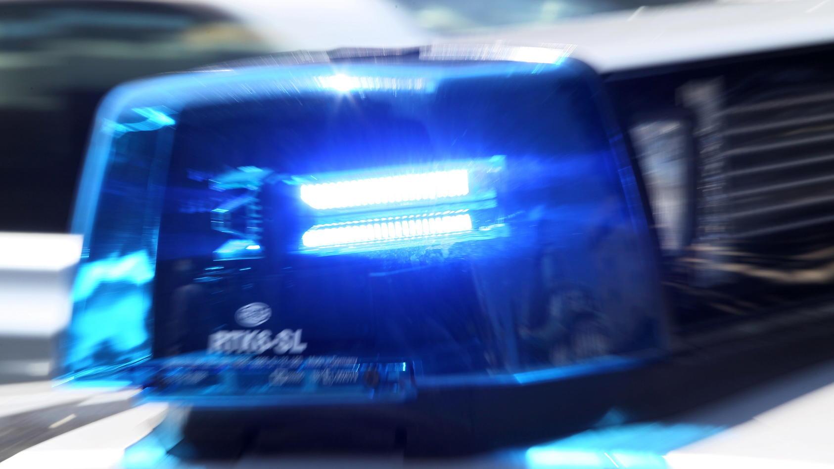 In Bochum ermittelt die Polizei nach dem Fund von zwei Leichen.