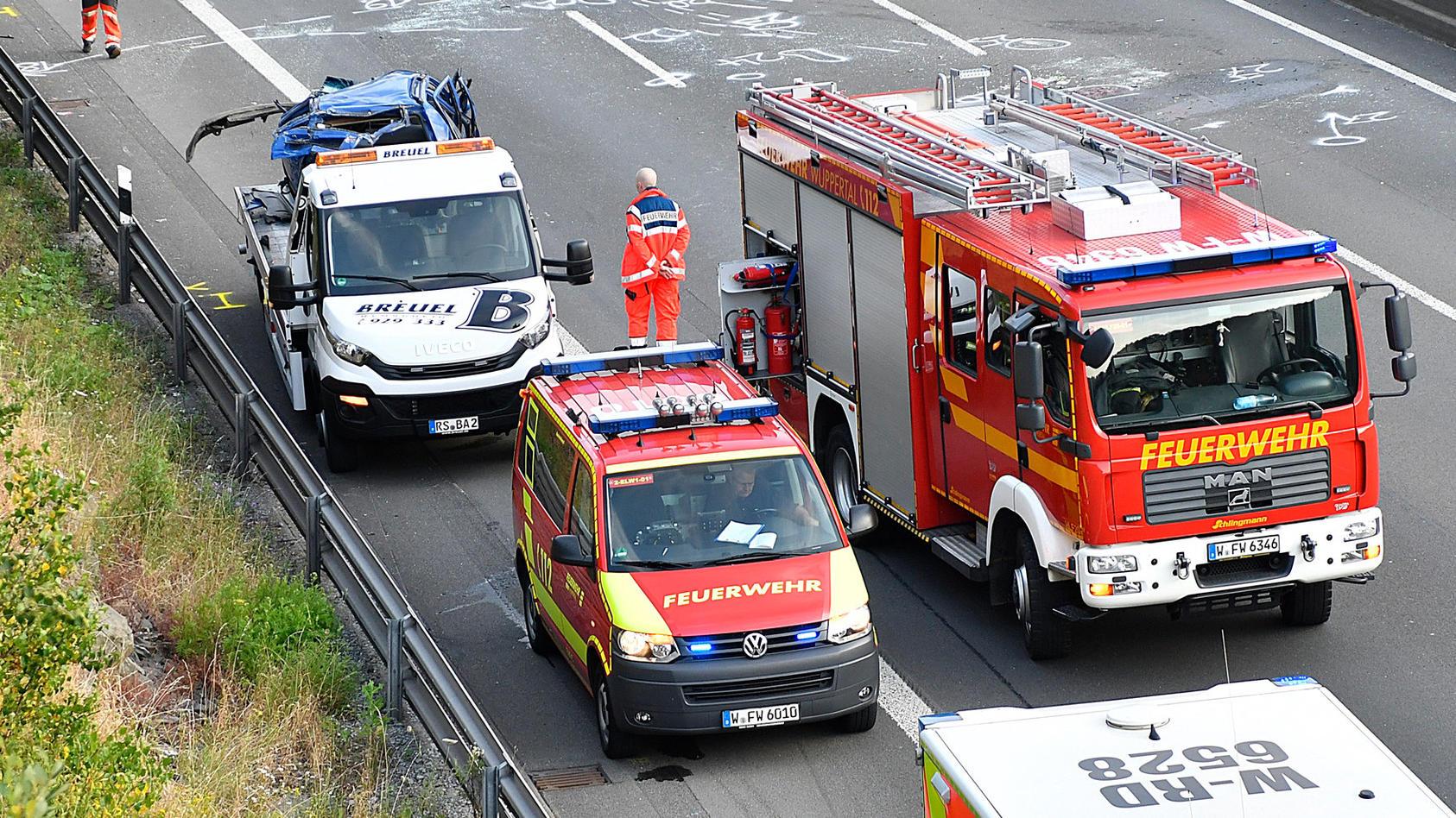 Schwerer Unfall auf der A1 bei Wuppertal.