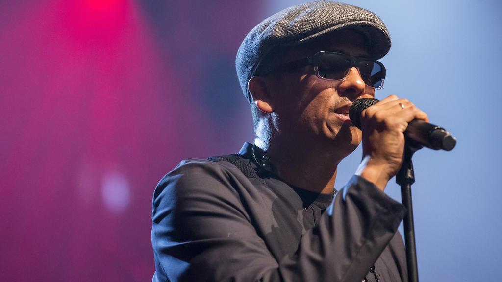 ARCHIV - 21.07.2017, Schweiz, Luzern: Der deutsche Sänger Xavier Naidoo steht beim Blue Balls Festival auf der Bühne. (zu dpa