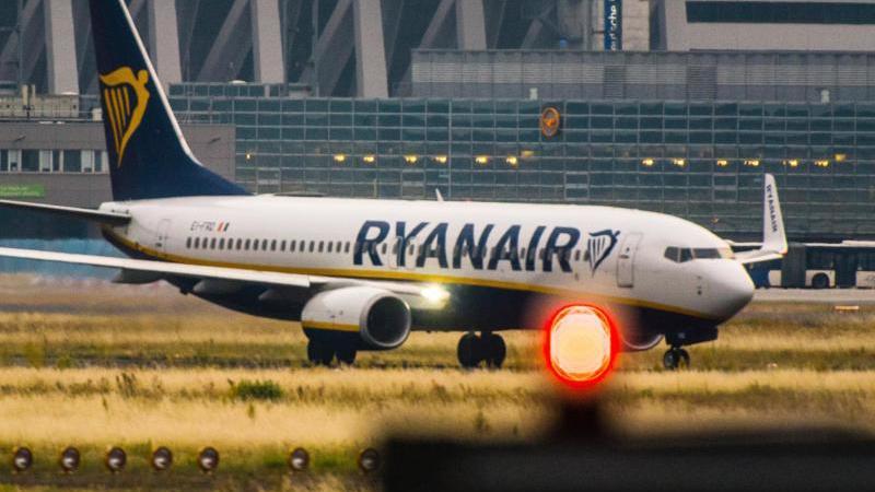 In Spanien, Portugal und Belgien haben die Gewerkschaften die Flugbegleiter bei Ryanair zum Streik aufgerufen. Die Airline hat daher 600 Flüge für kommende Woche abgesagt. Foto: Andreas Arnold