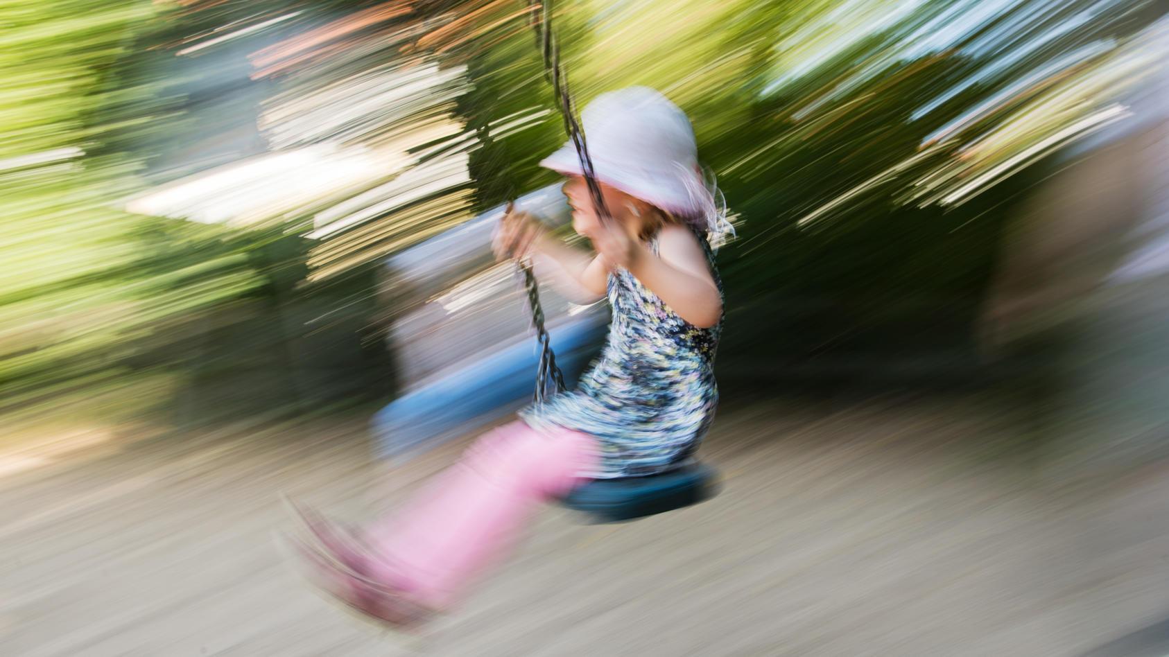 Sommer auf dem Kinderspielplatz