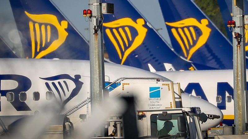 Angesichts des Ryanair-Streiks wollen viele Reisende wissen, ob ihnen Ersatzleistungen oder Ausgleichszahlungen zustehen. Diese kommen nur für Flüge in Betracht, die direkt vom Streik betroffen sind. Foto: Virginie Lefour