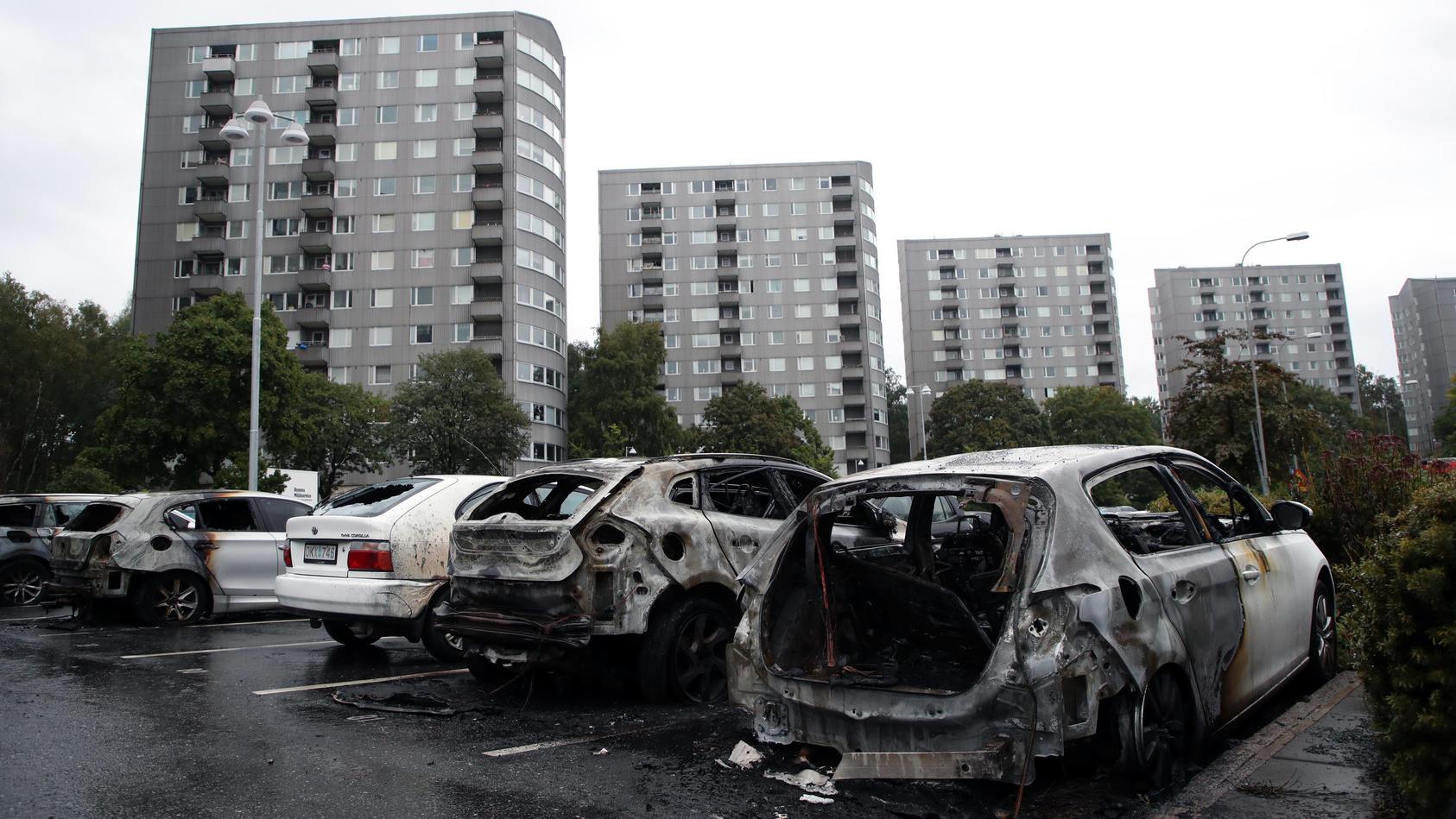 Autos in Schweden in Brand gesetzt: Die Hintergründe sind noch unklar.