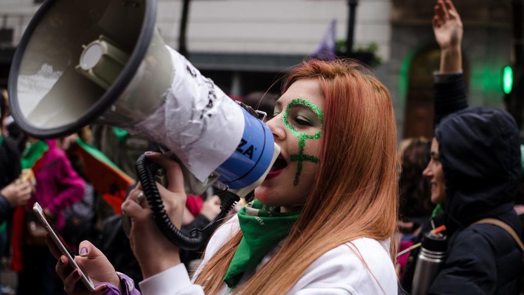 Am 8. August beschloss das argentinische Parlament, Abtreibungen weiterhin illegal zu werten.