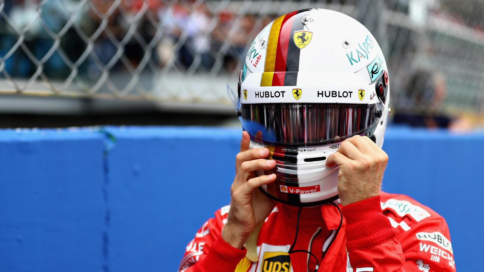 Helm auf! Nach dem Italien-Debakel prasselt jede Menge Kritik auf Sebastian Vettel und Ferrari herein