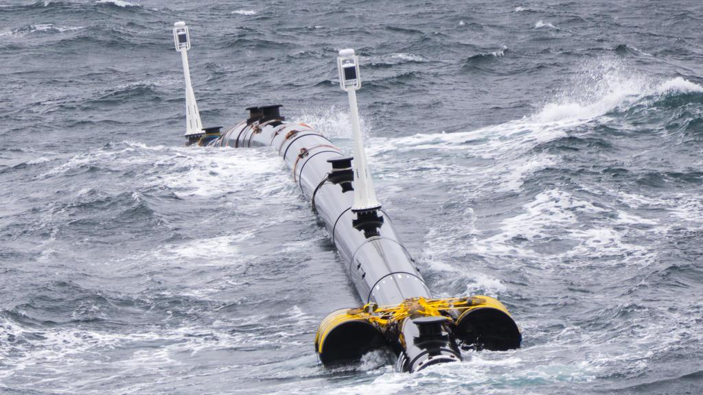HANDOUT - Aufnahmedatum unbekannt, USA, San Francisco: Eine 120 Meter lange Einheit des ersten Reinigungssystems «The Ocean Cleanup» liegt während eines zweiwöchigen Test in der Bucht von San Francisco. Ab dem 08.09.2018 soll die U-förmige Anlage kna