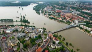 An solche Bilder werden wir uns gewöhnen müssen. Flüsse treten häufiger über die Ufer und lösen Überschwemmungen aus.