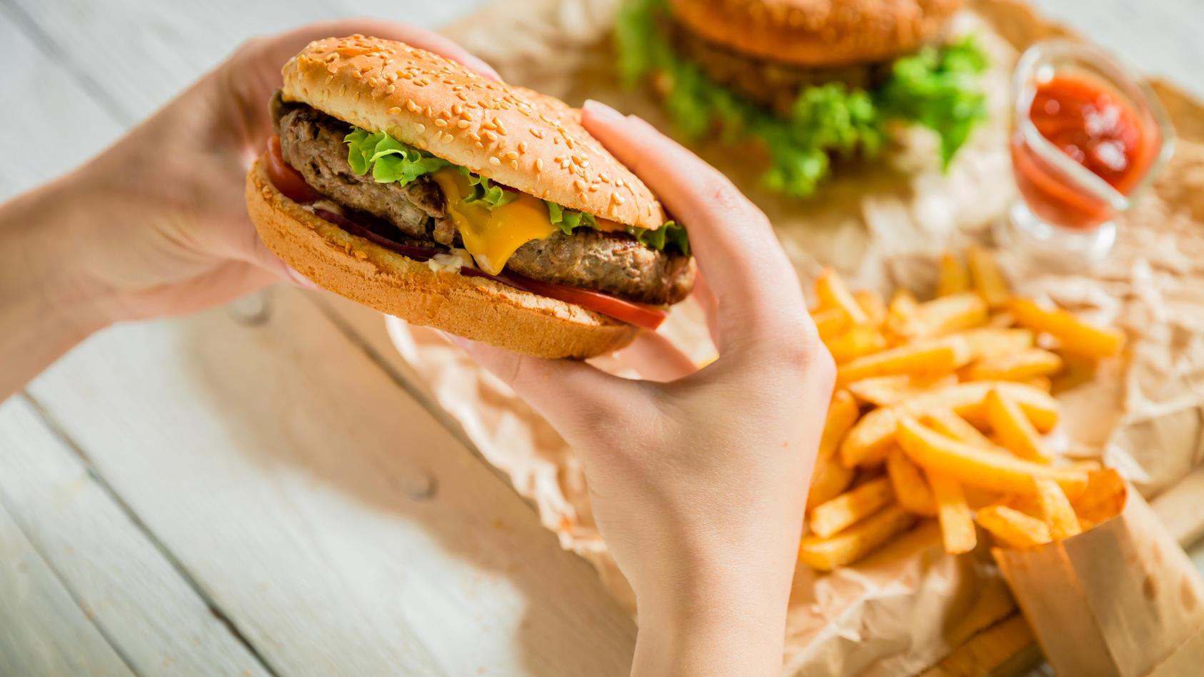 Burger, Pommes & Co. isst fast jeder gerne - zu viel sollte es aber besser nicht sein.