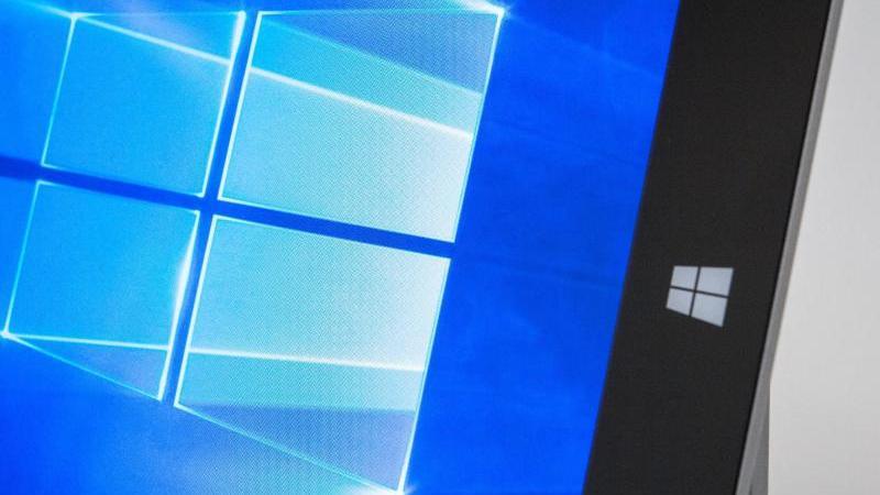 Windows 10 verfügt bereits über Sicherheitsprogramme wie den Windows Defender und eine Firewall. Foto: Andrea Warnecke