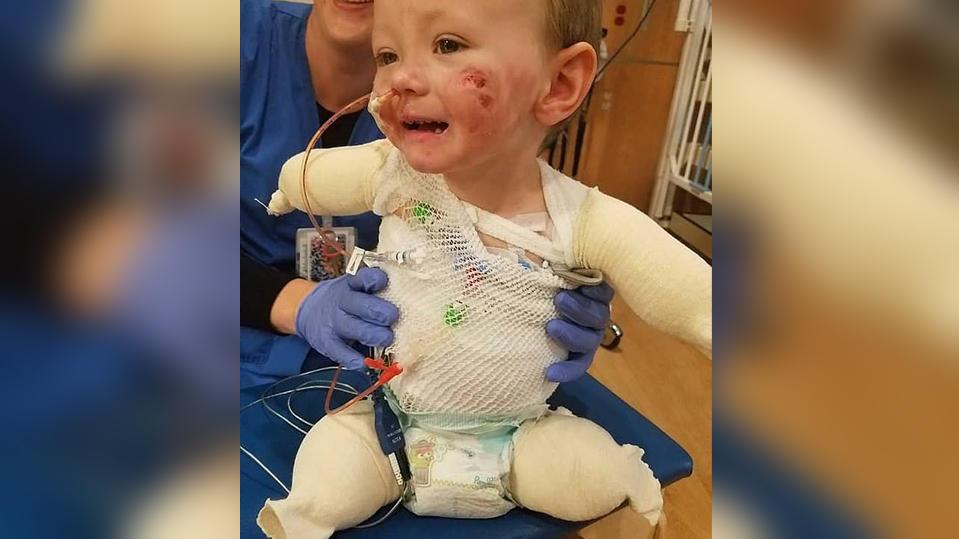 Trotz des schweren Schicksalsschlages: Der kleine Jeremiah verliert sein Lächeln nicht.