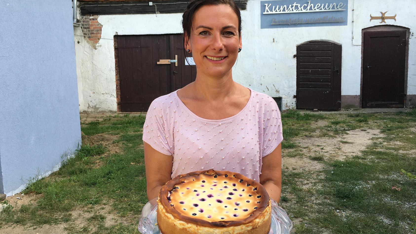 Katrin mit ihrer Sieger-Kreation: Früchtchen Quarkkuchen