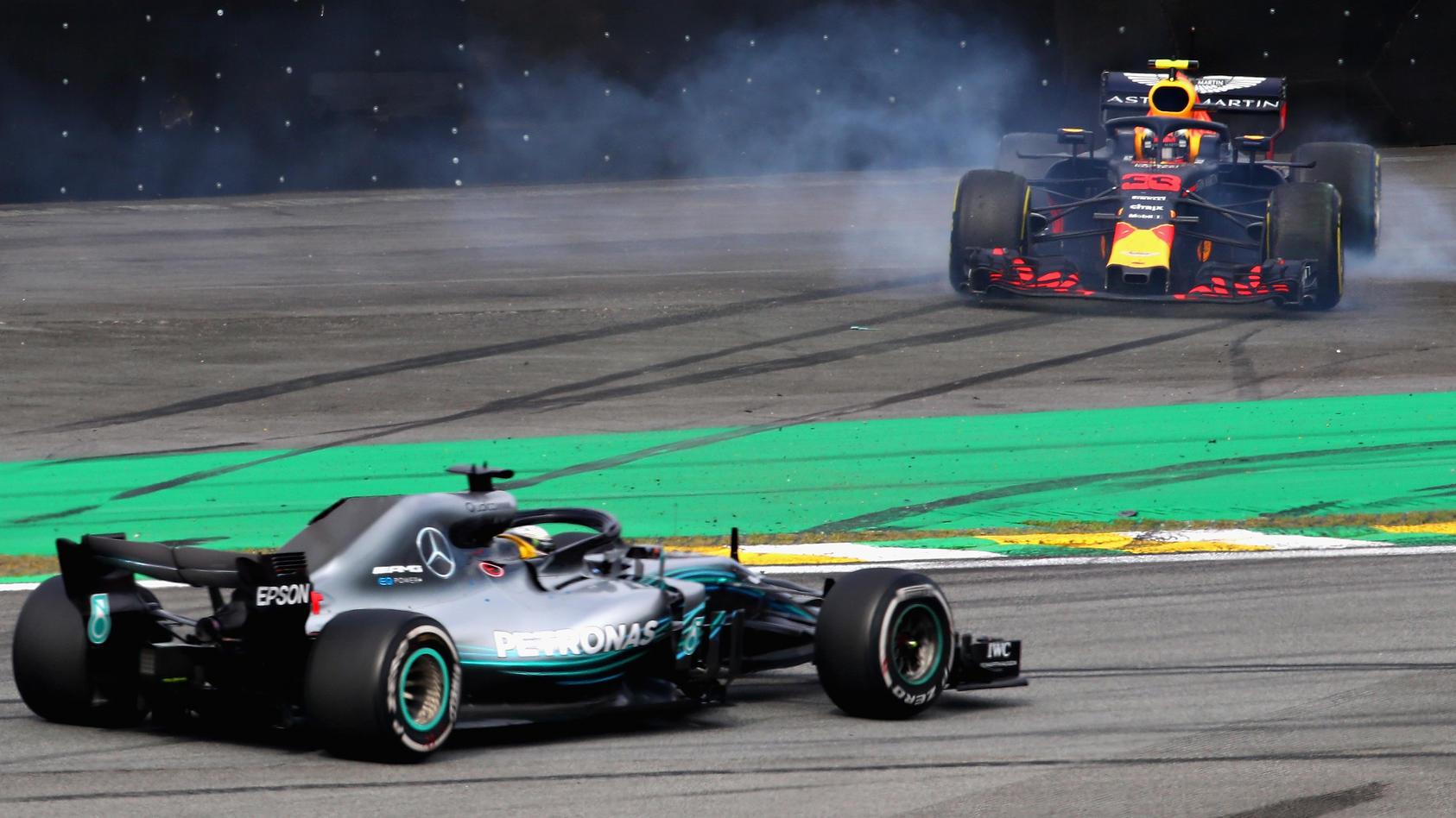 Max Verstappen dreht sich von der Strecke - Lewis Hamilton übernimmt wieder die Führung beim Brasilien-GP