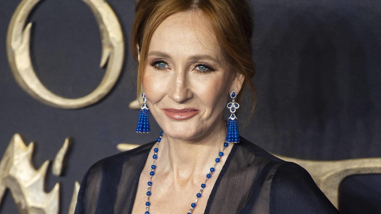 J.K. Rowling räumt auf Twitter mit einer Vielzahl von Gerüchten auf.